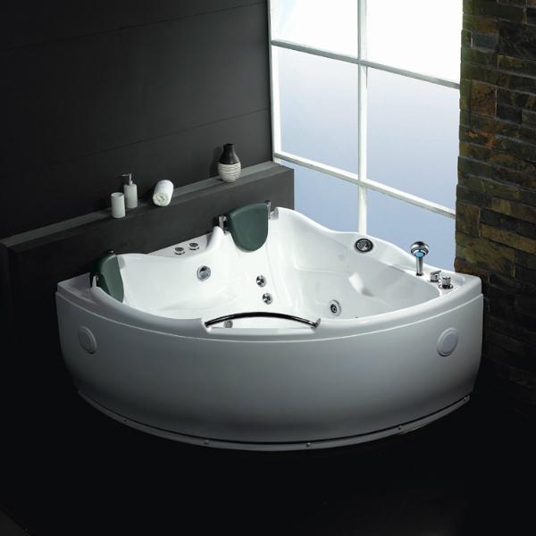 neuesbad-ts-eck-whirlpool-drei-nackenstuetzen-151x151-cm