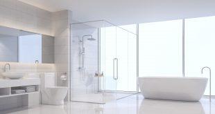 Minimalistisches,modernes Badezimmer in weiß mit Fliesen