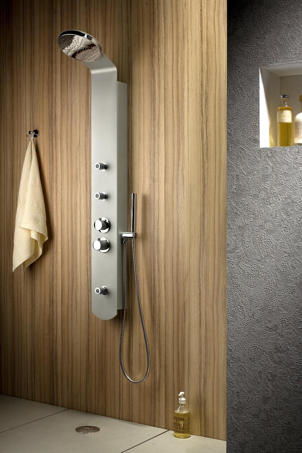 neuesbad duschpaneel unico kopfbrause 200 mm. Black Bedroom Furniture Sets. Home Design Ideas