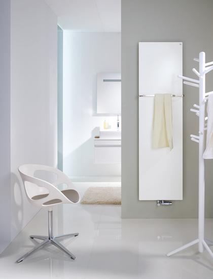 heizk rper badheizk rper zehnder fina 600 x 1800 mm online kaufen. Black Bedroom Furniture Sets. Home Design Ideas