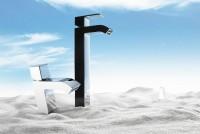 Tres Cuadro-Tres Einhebel Waschtischmischer; hohe Ausführung mit Randauslauf