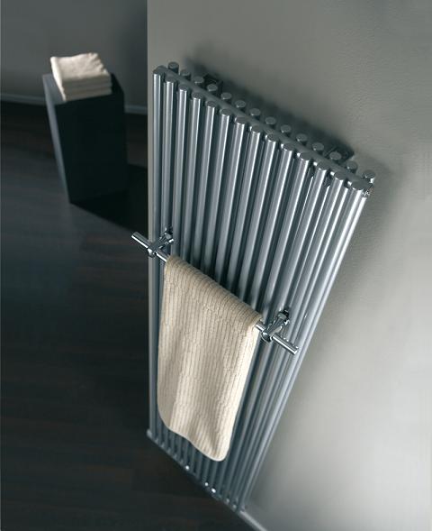 badheizk rper 600 1800 preisvergleich die besten angebote online kaufen. Black Bedroom Furniture Sets. Home Design Ideas